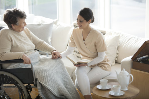 Home Health Care for Individuals with Alzheimer's Disease